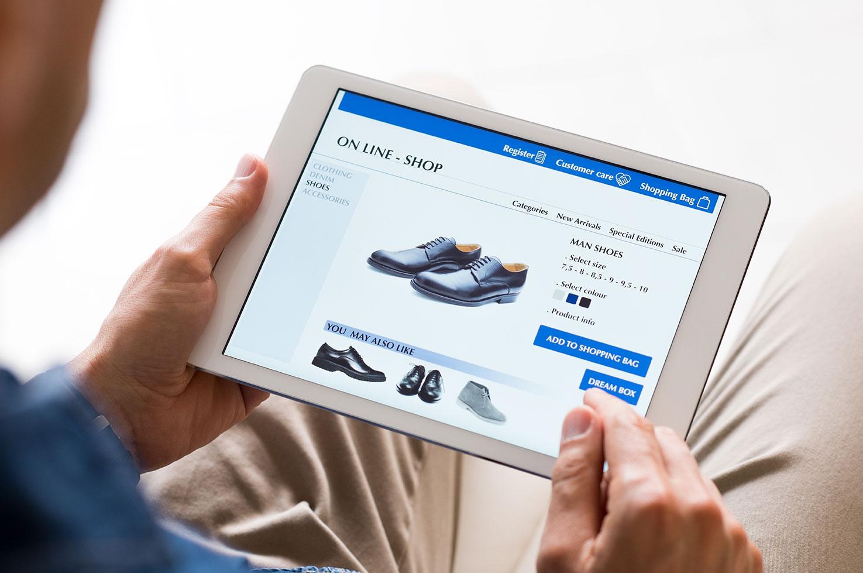 Man-shopping-online